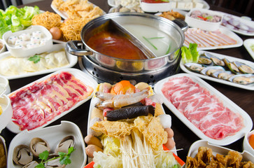 Meat and vegetable sources for preparation of Chinese hot pot meal