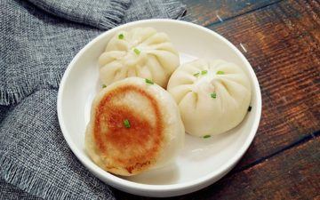 The Delicious Fried Bun With Scallop Meat