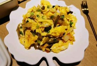The Suitable Dish For Breakfast-The Eggs Stir-fry With Shredded Mustard