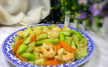 The Sweet Sauteed Shrimps With Loofah
