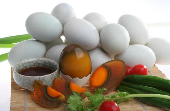 Thousand-year-old-eggs