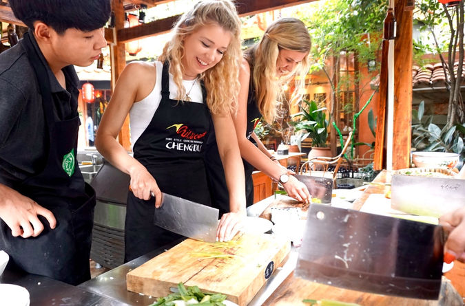 Half Day Chengdu Courtyard Cooking Class with Local Spice Market Visit