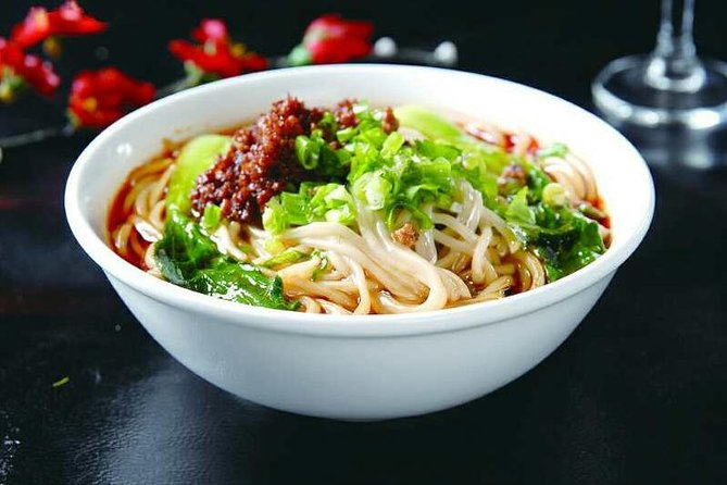 Half Dy Dandan Noodles Cooking Class with Local Spice Market Visit