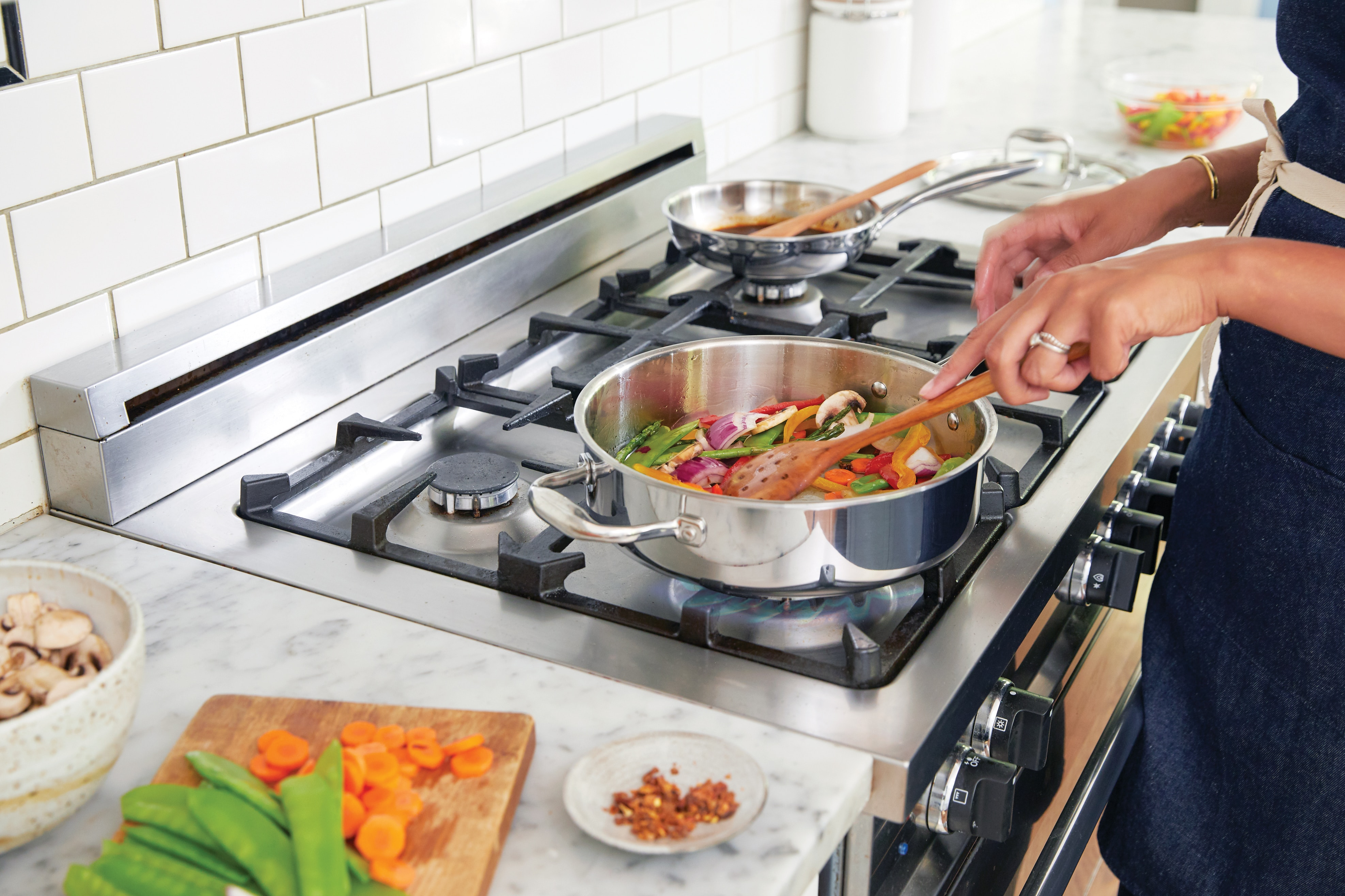 Mastering the Art of Cooking in Chinese Cooking Classes